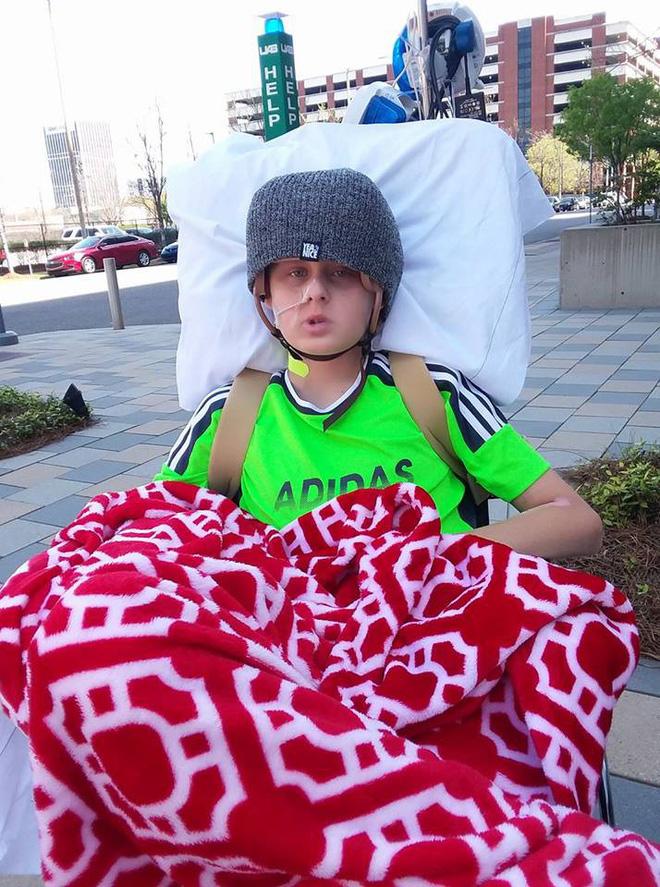 Cậu bé 13 tuổi chết não, không thể qua khỏi bỗng tỉnh dậy sau khi bố mẹ ký vào tờ giấy này-5