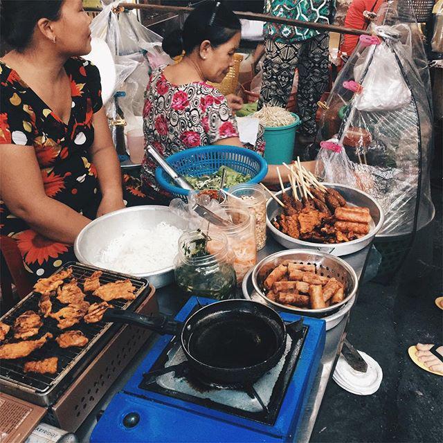 Lạc lối trong 3 con hẻm ăn vặt ngon-bổ-rẻ không thể bỏ lỡ khi du lịch Sài Gòn-2