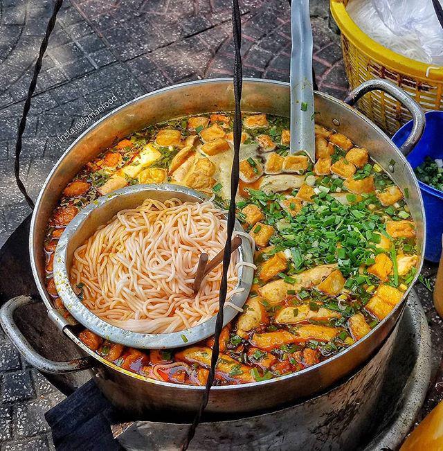 Lạc lối trong 3 con hẻm ăn vặt ngon-bổ-rẻ không thể bỏ lỡ khi du lịch Sài Gòn-4