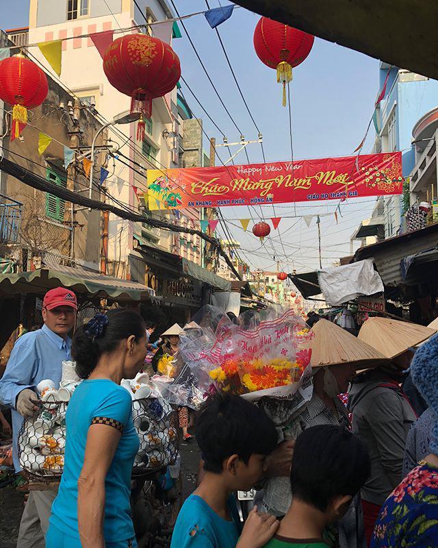 Lạc lối trong 3 con hẻm ăn vặt ngon-bổ-rẻ không thể bỏ lỡ khi du lịch Sài Gòn-6