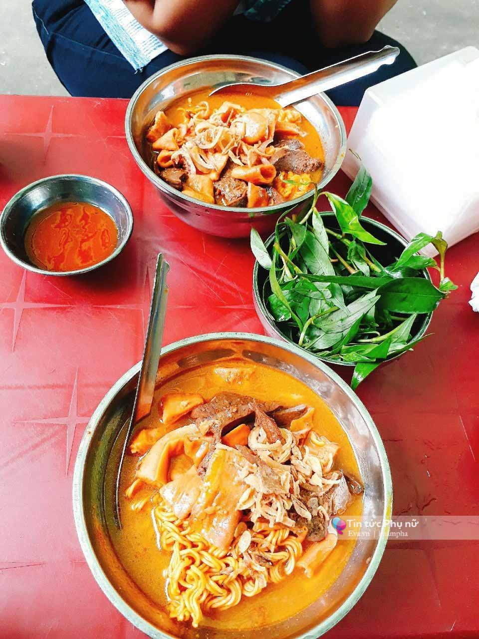 Lạc lối trong 3 con hẻm ăn vặt ngon-bổ-rẻ không thể bỏ lỡ khi du lịch Sài Gòn-7