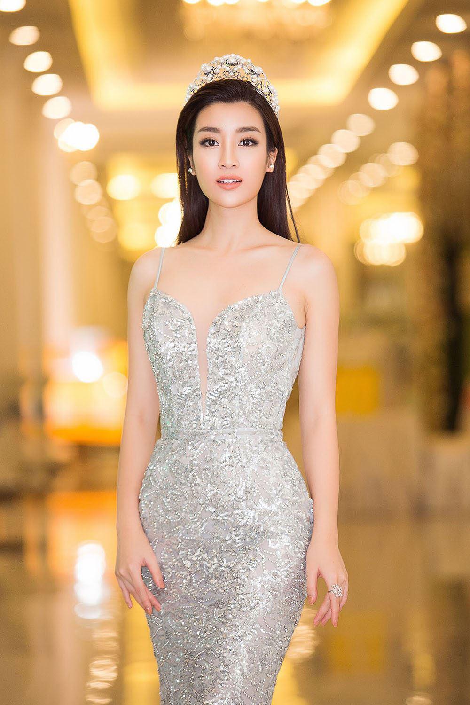 Cuộc chạm trán váy dạ hội mới nhất thuộc về 2 Hoa hậu đình đám, Mỹ Linh và Hương Giang-5