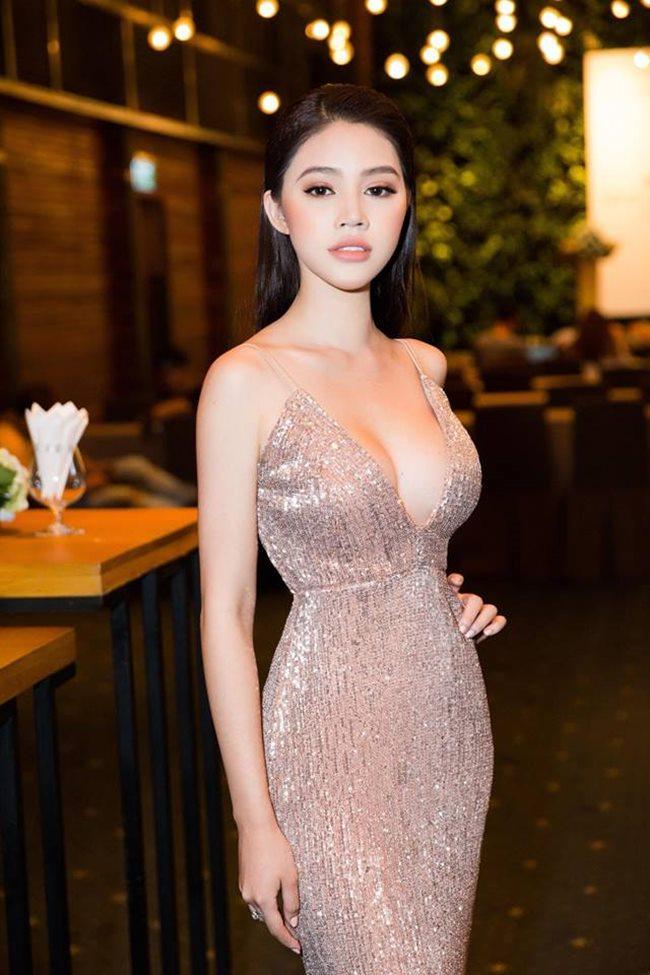 4 người đẹp Việt sở hữu vòng eo 54 - 56 cm thần thánh-8