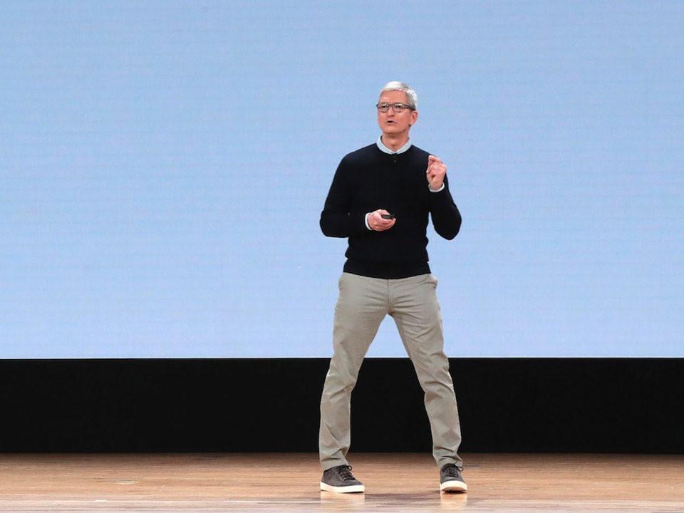 Lương dưới 10 triệu, bạn vẫn có thể mặc đồ như các CEO nổi tiếng-9