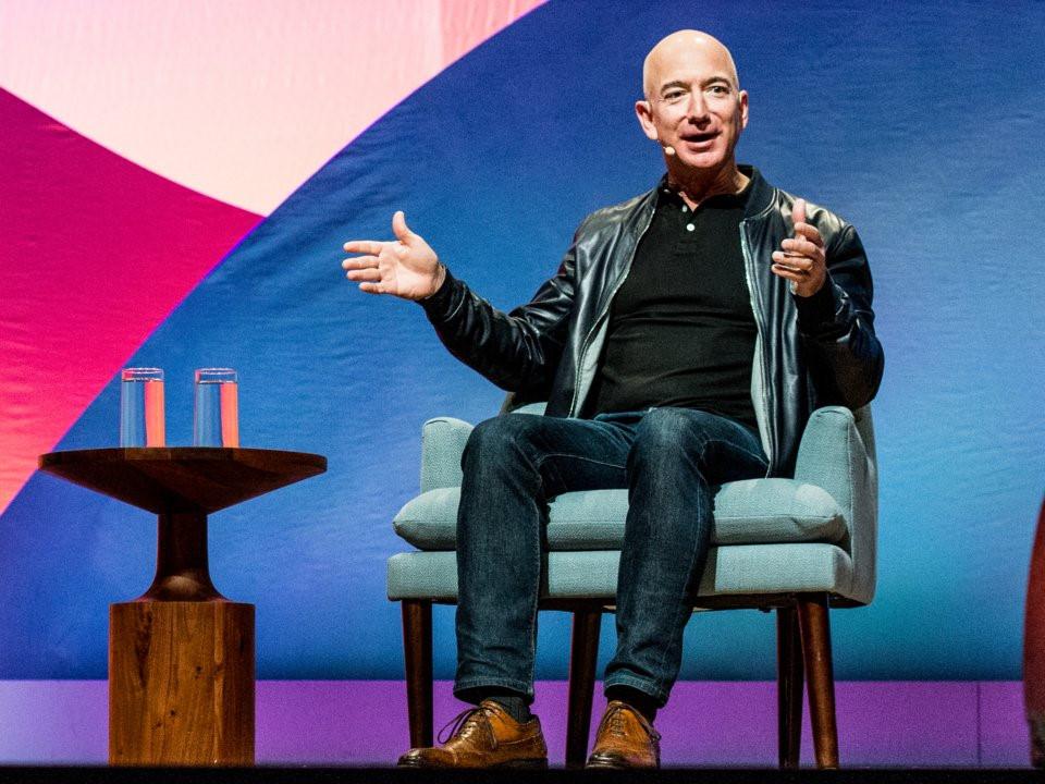 Lương dưới 10 triệu, bạn vẫn có thể mặc đồ như các CEO nổi tiếng-13