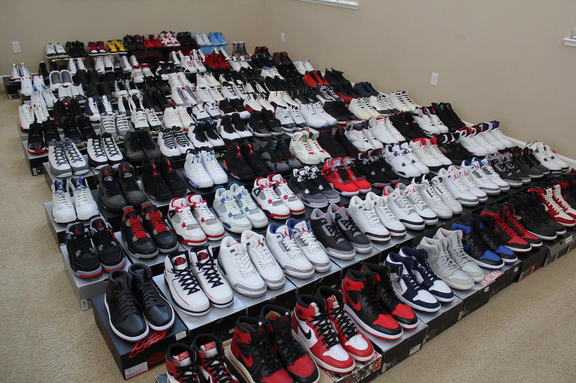 Nhóm thanh niên đi trấn lột giày Air Jordan nghìn đô, đến khi đem bán thì phát hiện ra hàng nhái giá bằng một phần mười-1