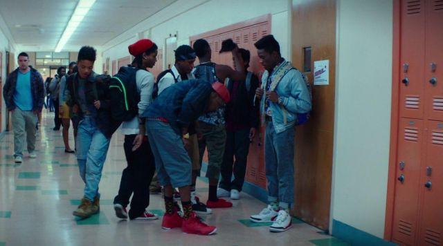 Nhóm thanh niên đi trấn lột giày Air Jordan nghìn đô, đến khi đem bán thì phát hiện ra hàng nhái giá bằng một phần mười-5