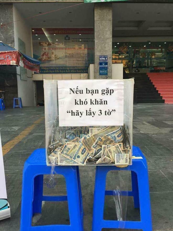 Ấm áp với hộp đựng tiền lẻ Nếu bạn khó khăn hãy lấy 3 tờ ở TP Hồ Chí Minh-1