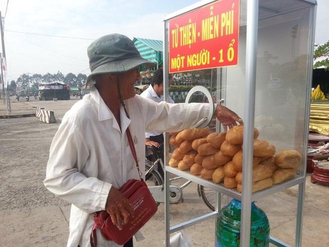 Ấm áp với hộp đựng tiền lẻ Nếu bạn khó khăn hãy lấy 3 tờ ở TP Hồ Chí Minh-3