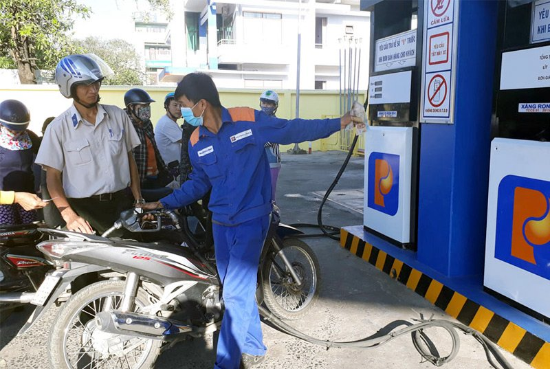 Giá xăng dầu đồng loạt tăng mạnh từ 15h chiều nay-1