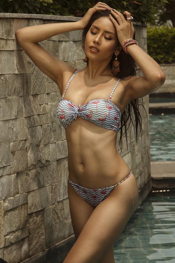 Á hậu Nguyễn Loan đầy nóng bỏng với bikini chào hè 2018-6