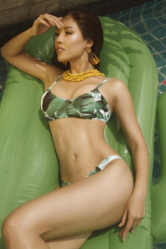 Á hậu Nguyễn Loan đầy nóng bỏng với bikini chào hè 2018-10