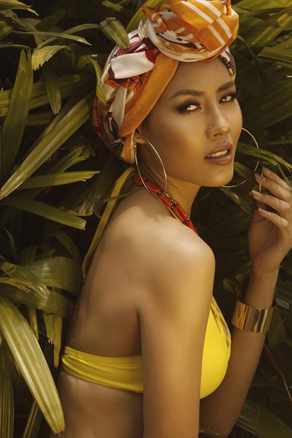 Á hậu Nguyễn Loan đầy nóng bỏng với bikini chào hè 2018-13