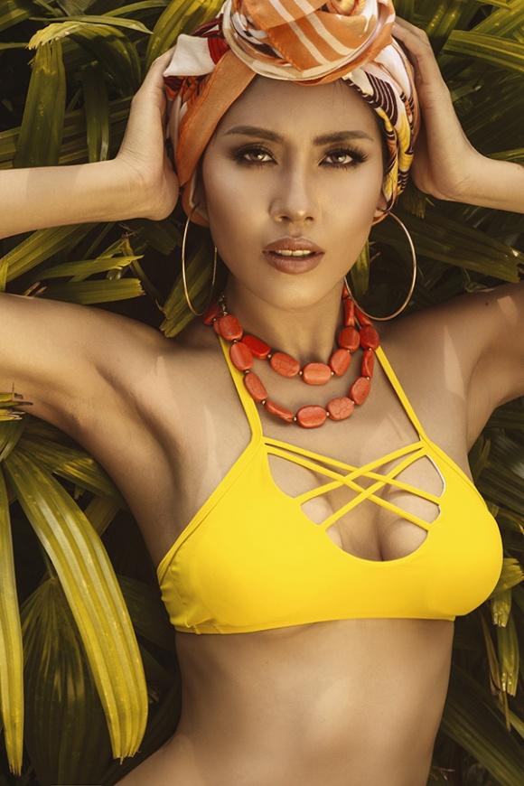 Á hậu Nguyễn Loan đầy nóng bỏng với bikini chào hè 2018-14