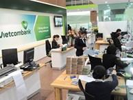 Sau SMS banking và Mobile Banking, Vietcombank lại tăng phí rút tiền qua ATM