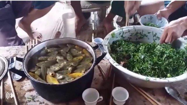 Kinh hãi món cá nhảy tanh tách trong cổ họng dân nhậu ở Sơn La-1