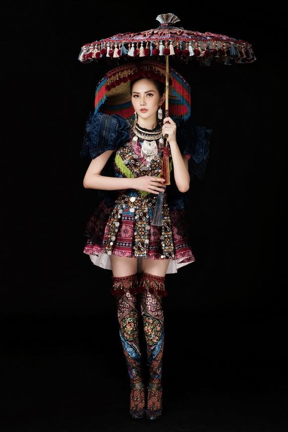 Diệu Linh chọn trang phục H'Mông thể hiện tại Nữ hoàng Du lịch Quốc tế 2018-11