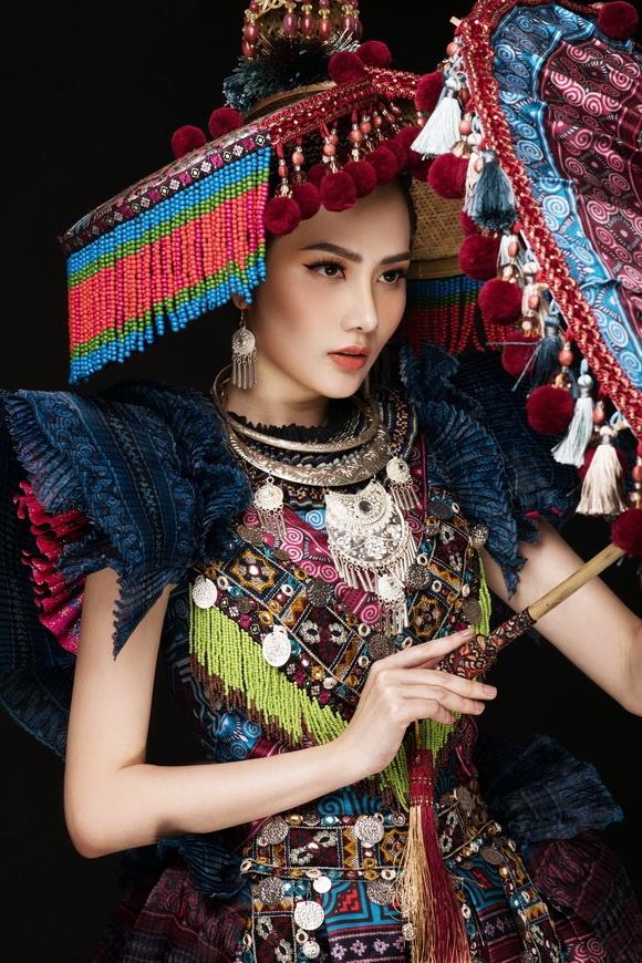 Diệu Linh chọn trang phục H'Mông thể hiện tại Nữ hoàng Du lịch Quốc tế 2018-13