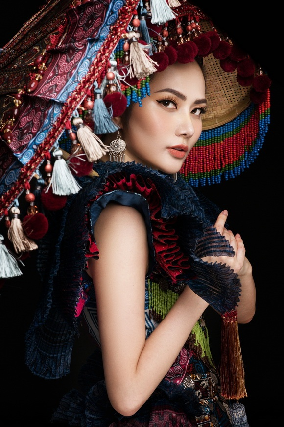 Diệu Linh chọn trang phục H'Mông thể hiện tại Nữ hoàng Du lịch Quốc tế 2018-14