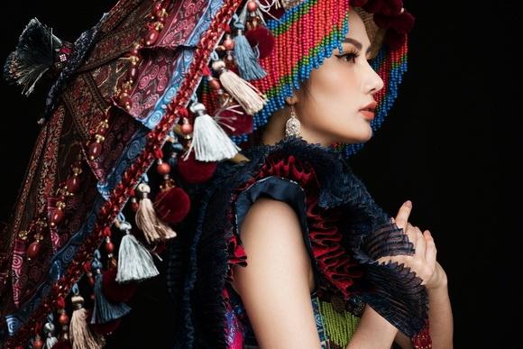 Diệu Linh chọn trang phục H'Mông thể hiện tại Nữ hoàng Du lịch Quốc tế 2018-15