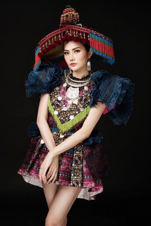 Diệu Linh chọn trang phục H'Mông thể hiện tại Nữ hoàng Du lịch Quốc tế 2018-2