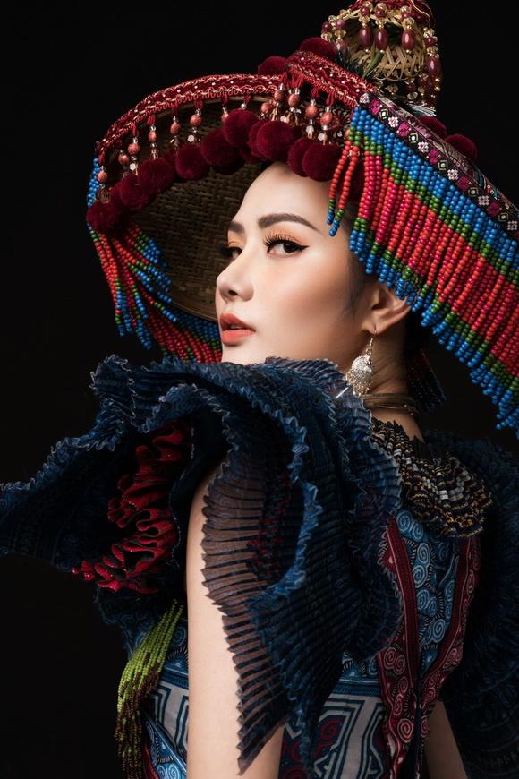 Diệu Linh chọn trang phục H'Mông thể hiện tại Nữ hoàng Du lịch Quốc tế 2018-4