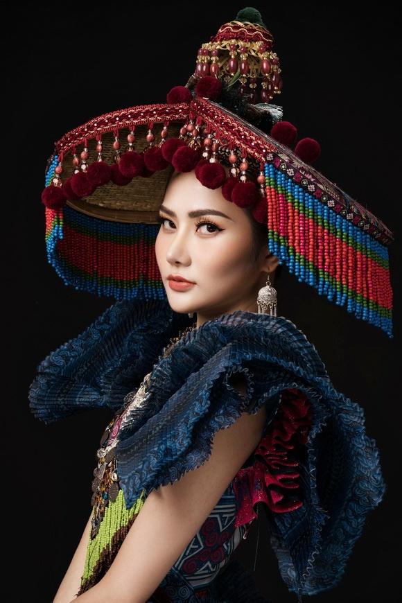 Diệu Linh chọn trang phục H'Mông thể hiện tại Nữ hoàng Du lịch Quốc tế 2018-5