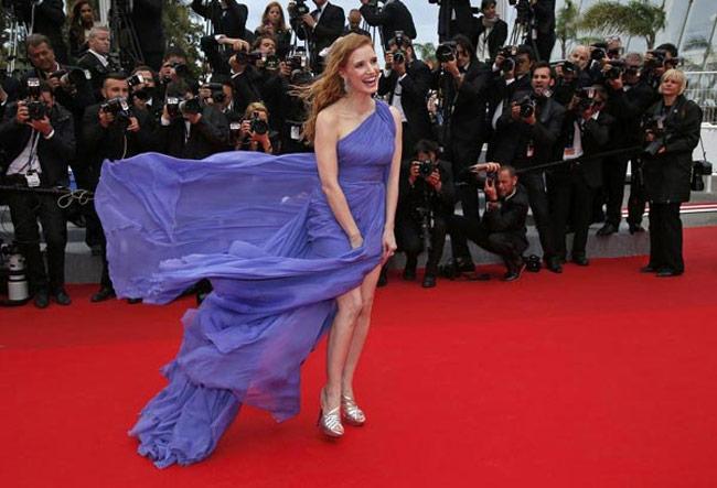 Những ngọn gió hư hỏng ở Cannes: Cơn ác mộng váy áo với sao nữ-2