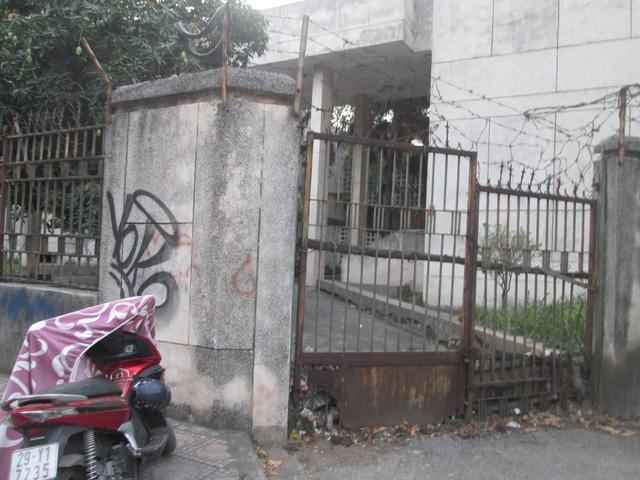 """Cận cảnh ngôi nhà ma"""" số 300 Kim Mã sau gần 30 năm bỏ hoang-10"""