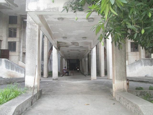 """Cận cảnh ngôi nhà ma"""" số 300 Kim Mã sau gần 30 năm bỏ hoang-3"""