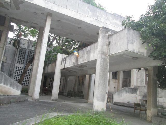 """Cận cảnh ngôi nhà ma"""" số 300 Kim Mã sau gần 30 năm bỏ hoang-7"""