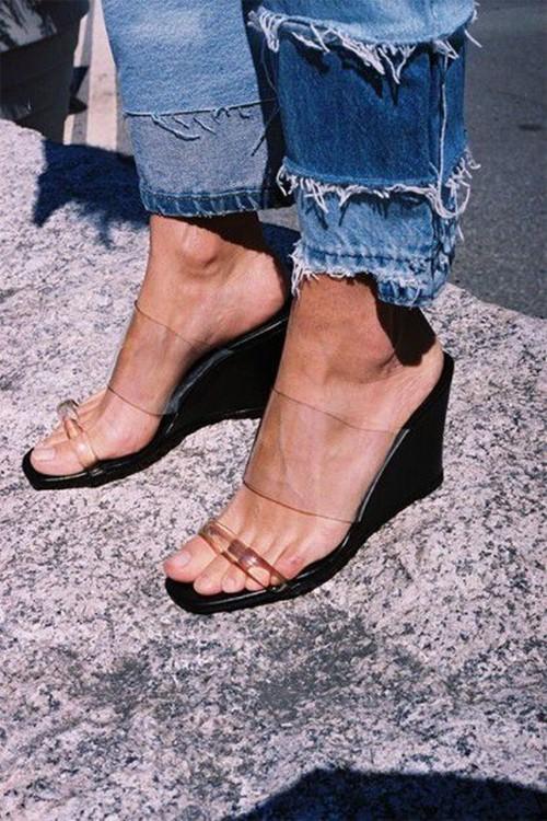 Kiểu giày thảm họa, nóng, bí chân nhất mùa hè-6