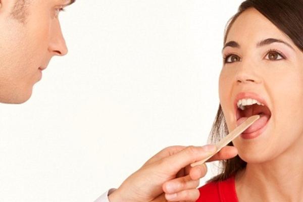 Cảnh giác với bệnh lý viêm họng, viêm thanh quản-1
