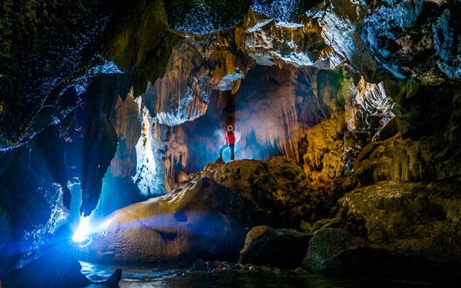 Bên trong những hang động đẹp ngoạn mục ở Việt Nam được báo Anh ca ngợi-1