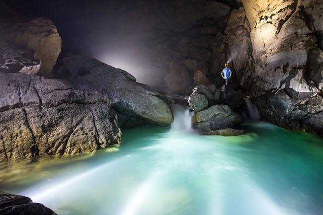 Bên trong những hang động đẹp ngoạn mục ở Việt Nam được báo Anh ca ngợi-14
