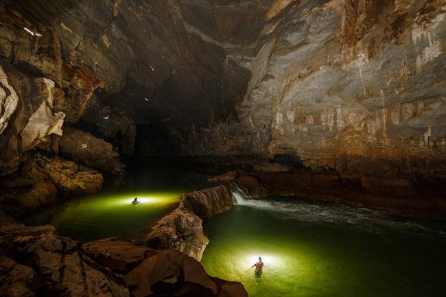 Bên trong những hang động đẹp ngoạn mục ở Việt Nam được báo Anh ca ngợi-17