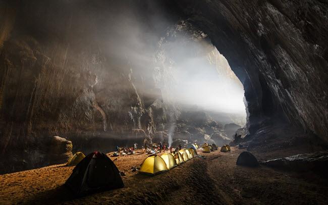 Bên trong những hang động đẹp ngoạn mục ở Việt Nam được báo Anh ca ngợi-2