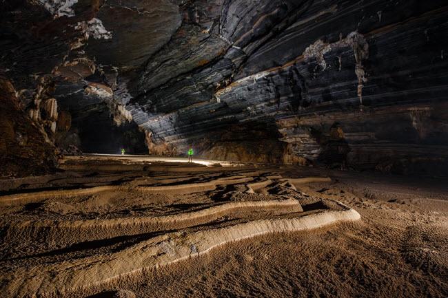 Bên trong những hang động đẹp ngoạn mục ở Việt Nam được báo Anh ca ngợi-21