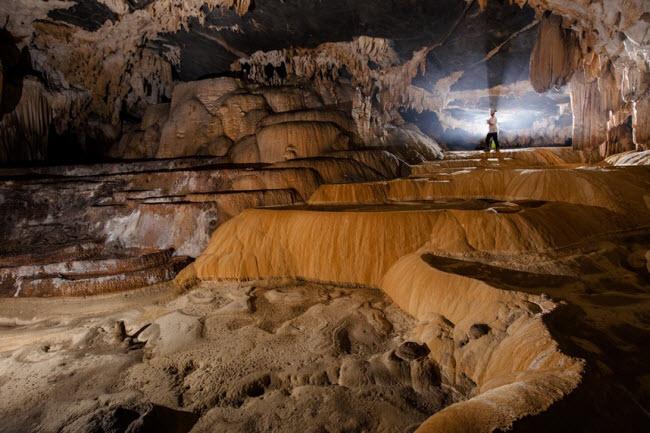 Bên trong những hang động đẹp ngoạn mục ở Việt Nam được báo Anh ca ngợi-23