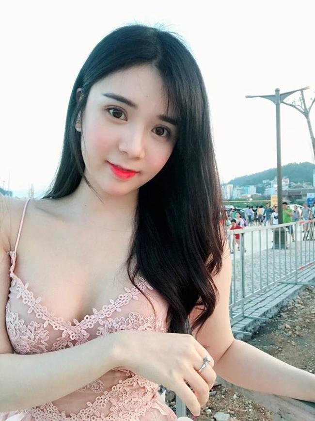 Tình cũ ca sĩ Quang Lê khoe vóc dáng nuột nà với bikini-2