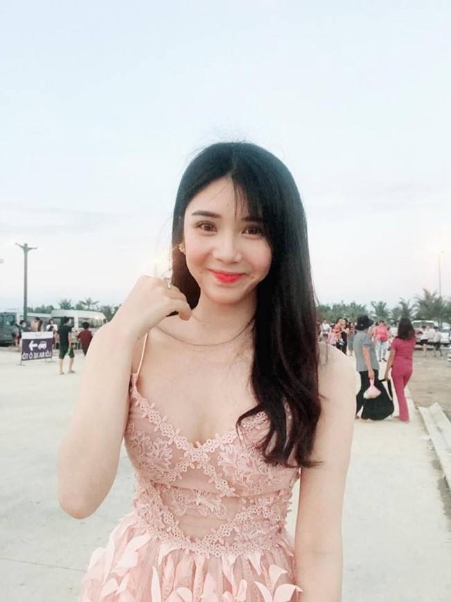 Tình cũ ca sĩ Quang Lê khoe vóc dáng nuột nà với bikini-1