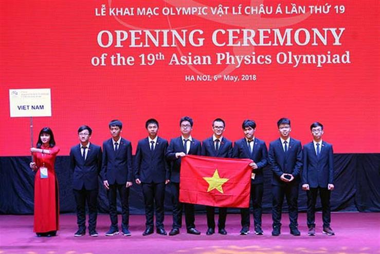 Vượt qua 188 thí sinh đến từ 25 quốc gia, học sinh Việt Nam đạt 4 HCV tại Olympic Vật lý Châu Á-1