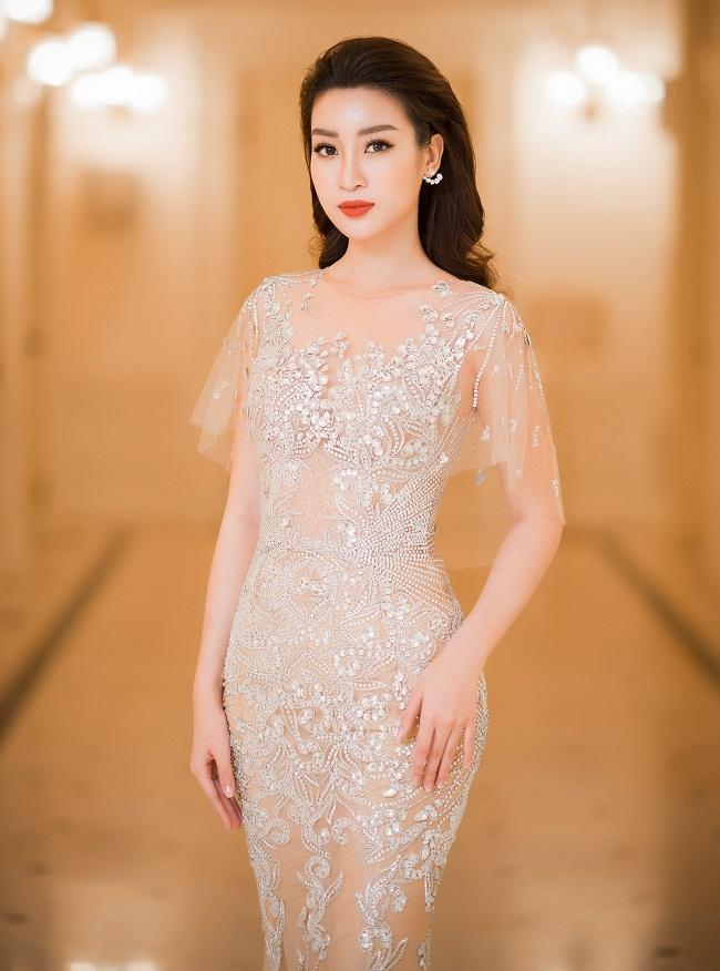 Nhan sắc quyến rũ của Nguyễn Thị Huyền và 4 hoa hậu làm MC-17