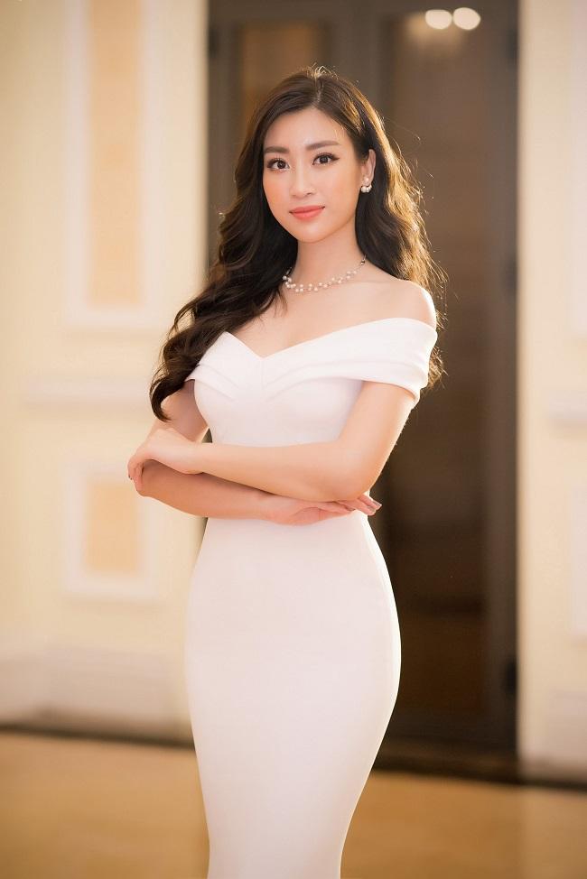 Nhan sắc quyến rũ của Nguyễn Thị Huyền và 4 hoa hậu làm MC-16