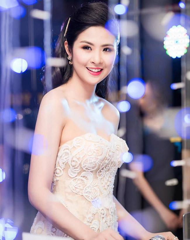 Nhan sắc quyến rũ của Nguyễn Thị Huyền và 4 hoa hậu làm MC-13