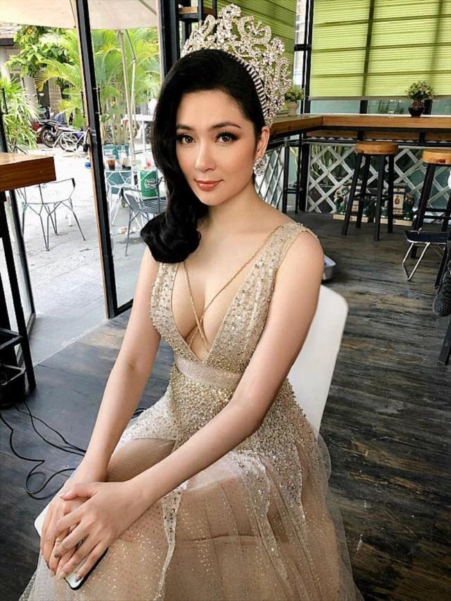 Nhan sắc quyến rũ của Nguyễn Thị Huyền và 4 hoa hậu làm MC-1