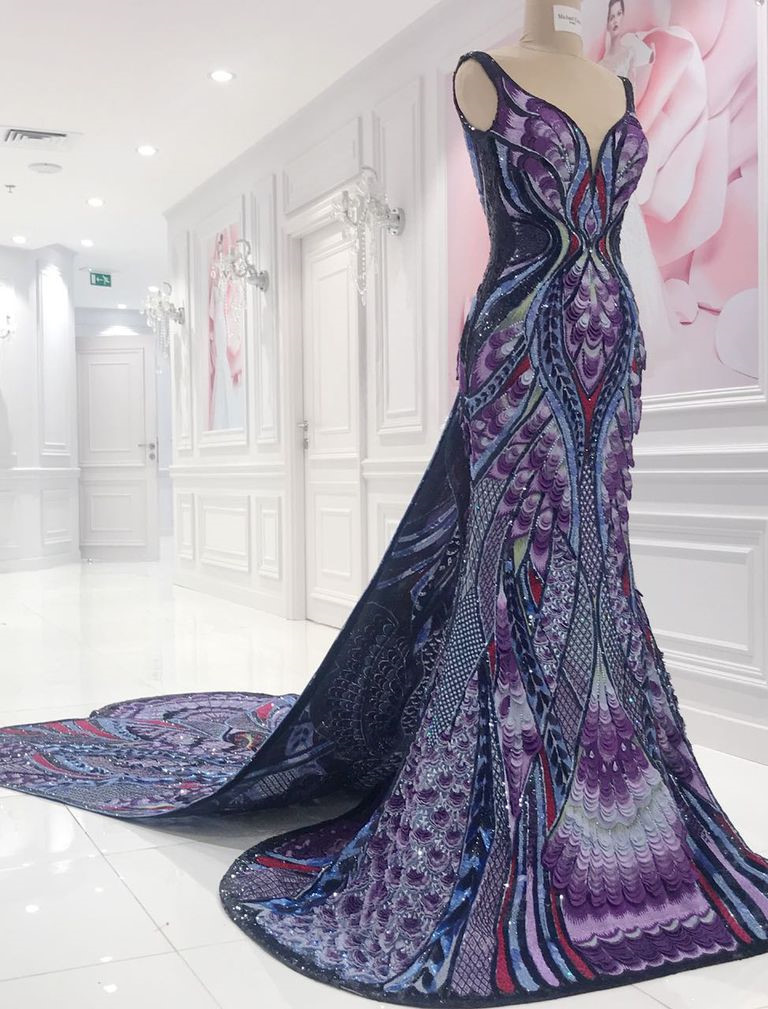 Bộ đầm hoa hậu đẹp nhất thế giới mặc tại Cannes có gì đặc biệt?-4