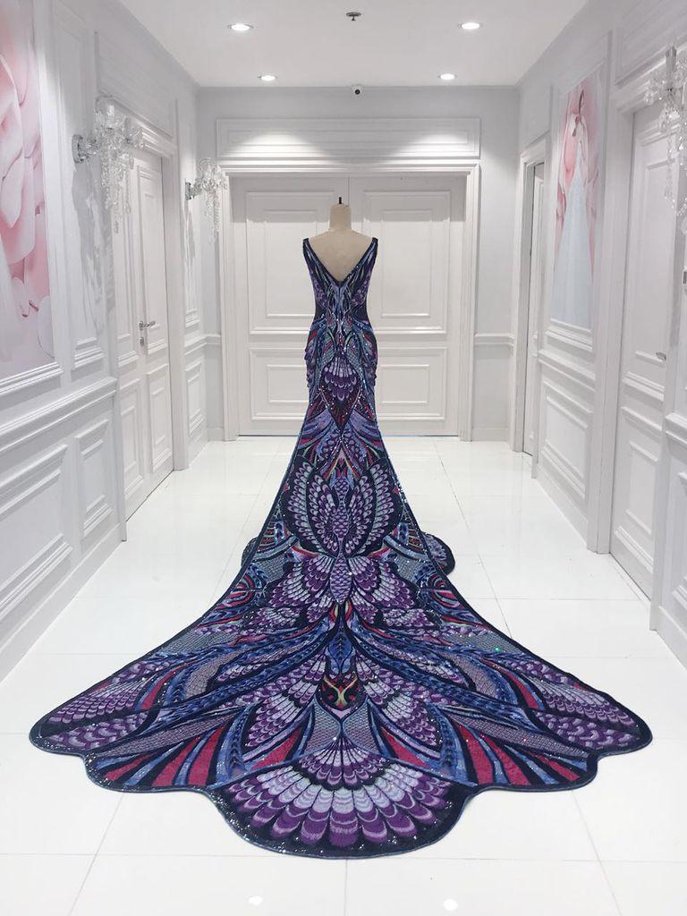 Bộ đầm hoa hậu đẹp nhất thế giới mặc tại Cannes có gì đặc biệt?-5