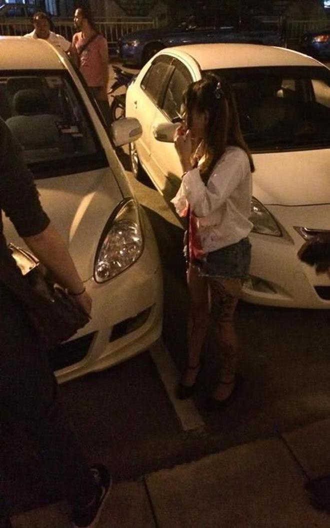 Bị tấn công khi đang bắt taxi, cô gái bình tĩnh đi báo công an với con dao cắm giữa mặt-2