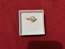 Người yêu cũ đã có vợ con bỗng gửi tặng nhẫn vàng vào ngày sinh nhật, dân mạng gợi ý cho cô gái đủ cách xử lý